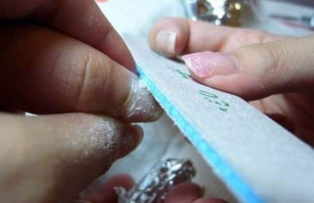 How to Remove Dip Powder At Home