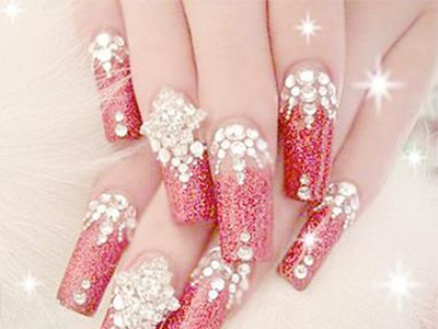 How to remove diamond-studded nails