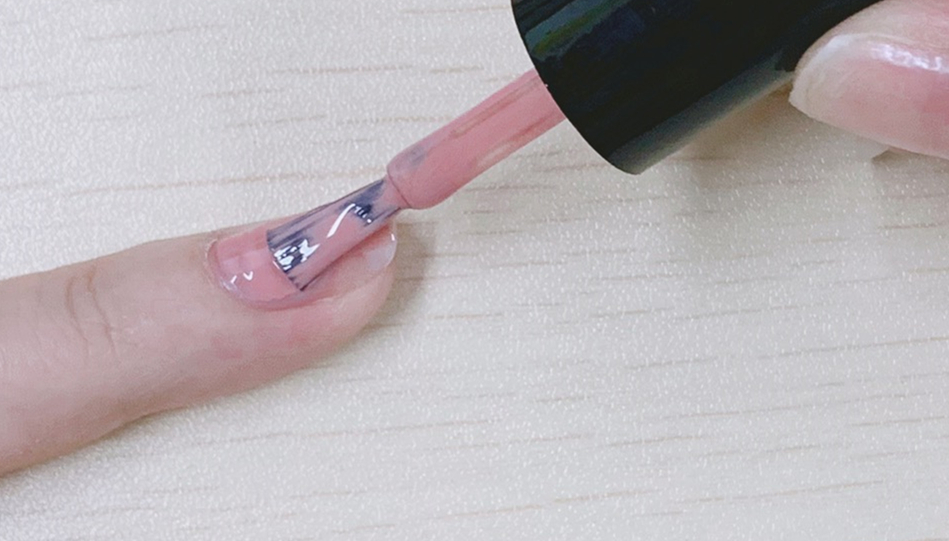 How to apply light-colored Gel Polish